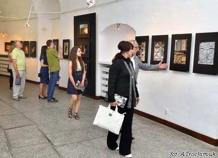 """Leszek Mądzik – """"Fotografia scenariuszem teatru"""" - otwarcie wystawy."""